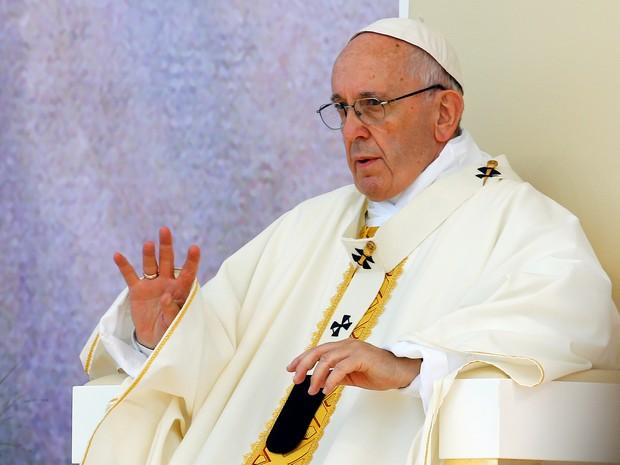 Papa Francisco conduz missa no Campus Misericordiae durante a Jornada Mundial da Juventude, na Polônia (Foto: Stefano Rellandini/Reuters)