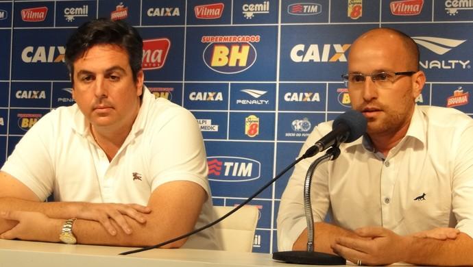Bruno Vicintin, vice de futebol, e Thiago Scuro, diretor de futebol do Cruzeiro (Foto: Marco Antônio Astoni)