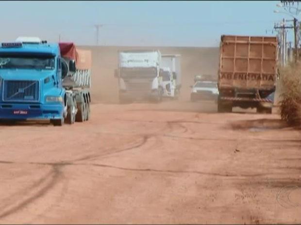 Obras LMG-748 Araguari (Foto: Reprodução/TV Integração)