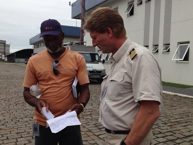 Náufrago e Capitão atracaram em Santos (Foto: Mariane Rossi / G1)