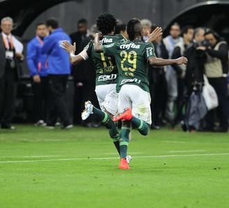 Corinthians x Palmeiras Gol Comemoração (Foto: Marcos Ribolli)