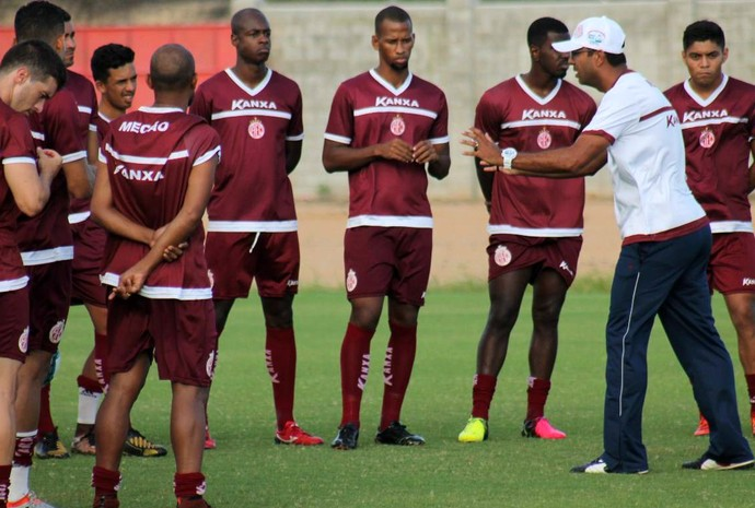 América-RN - Felipe Surian, técnico - jogadores (Foto: Canindé Pereira/América FC/Divulgação)
