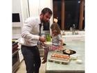 Filha de Chris Hemsworth deixa ator em saia justa ao querer ter um pênis