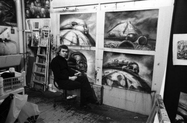 H. R. Giger trabalhando em ideias para o não realizado 'Duna', de Alejandro Jodorowsky' (Foto:  Sony Pictures Classics)