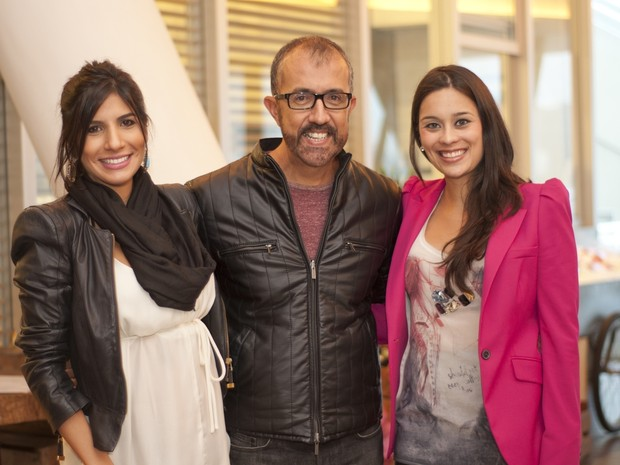 O autor Rui Vilhena e as atrizes Janine Salles e Clarice Alves  (Foto: Cauã Csik/ Divulgação)