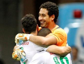 Lauro comemora gol da Portuguesa contra o Flamengo (Foto: Adalberto Marques / Ag. Estado)