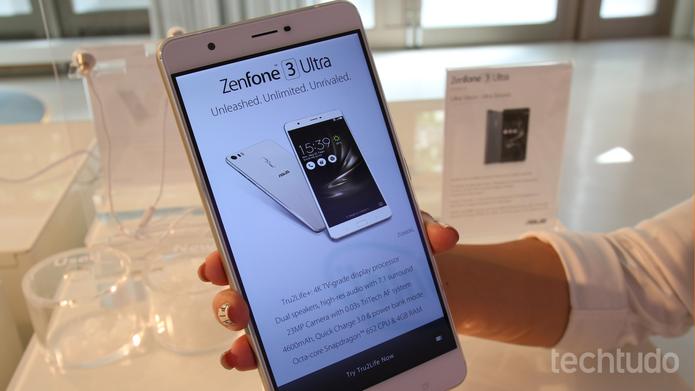 Zenfone 3 Ultra (Foto: Fabrício Vitorino/TechTudo)