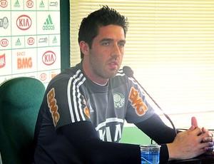 Bruno goleiro do Palmeiras coletiva (Foto: Diego Ribeiro / Globoesporte.com)
