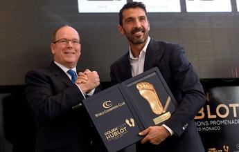 """Aos 38 anos, Buffon fatura o """"Golden Foot"""", prêmio dedicado a veteranos"""