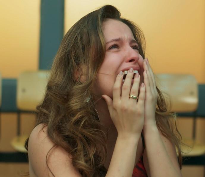 Nanda fica inconformada (Foto: TV Globo)