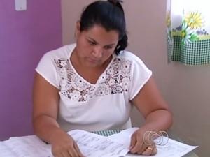 Marissol diz que, além do dinheiro das prestações, ainda ficou sem o carro, em Goiás (Foto: Reprodução/TV Anhanguera)