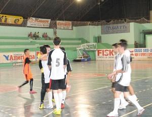 Jogos definem campeões do Campeonato de Base de Futsal em Vilhena (Foto: Rogério Perucci/GLOBOESPORTE.COM)