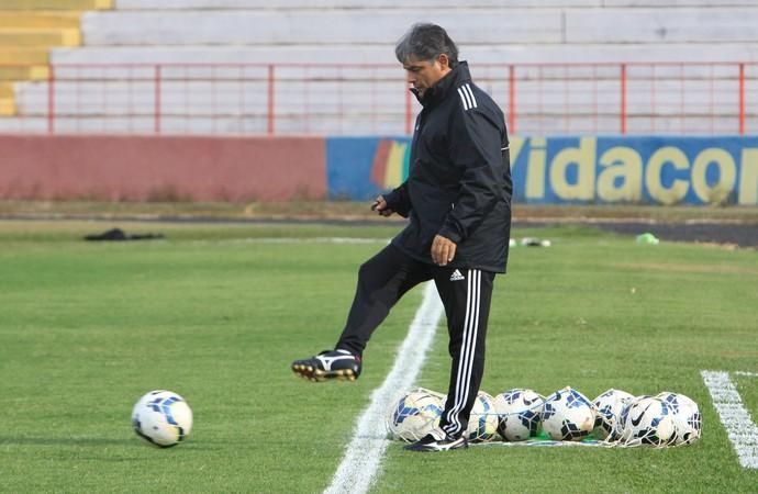 Técnico Marcelo Veiga, do Botafogo-SP (Foto: Luis Augusto/Ag. Botafogo)