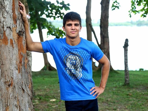 Matheus Venâncio faz participação em Alto Astral e interpreta Ricardo na adolescência (Foto: Raphael Dias/ Gshow)