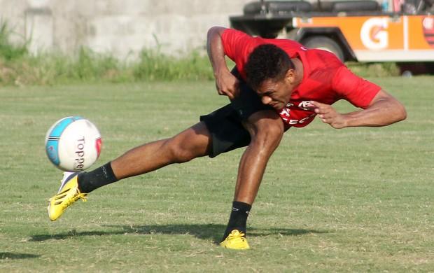 Hernane no treino do Flamengo (Foto: Maurício Val/VIPCOMM)