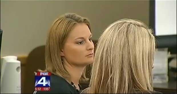 A professora americana acusada de ter relações sexuais com estudantes é julgada (Foto: Reprodução)