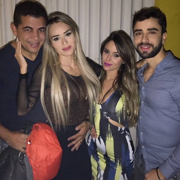 Letícia Santiago curte noite com marido e amigos (Foto: Reprodução/Instagram)