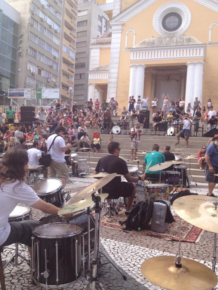 Bateristas participaram de Orquestra de Baterias neste sábado (23)  (Foto: Carla Lins/Divulgação)