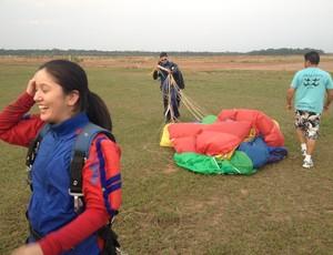 Primeiro salto de Karina em Vilhena (Foto: Flávio Godoi/GLOBOESPORTE.COM)