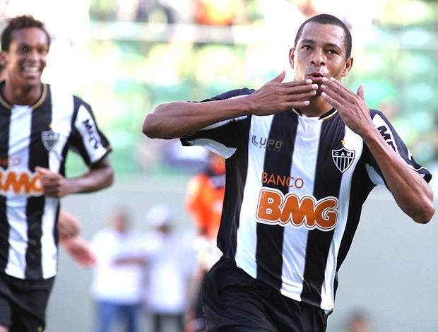 Gilberto Silva gol Atlético-MG Tombense (Foto: Paulo Fonseca / Ag. Estado)