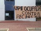 Professores da UFPE param e alunos ocupam campus em ato contra PEC