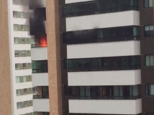 Pagamento pegou fogo no final da tarde desta quinta-feira (Foto: Reprodução/TV Sergipe)