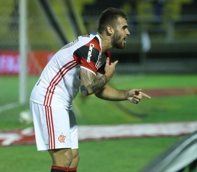 Vizeu comemora o gol marcado no empate com o Volta Redonda (Foto: Gilvan de Souza/Flamengo)
