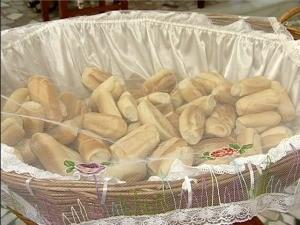 Celebrações começaram com a bênção dos pãezinhos em Vitória. (Foto: Reprodução/TV Gazeta)