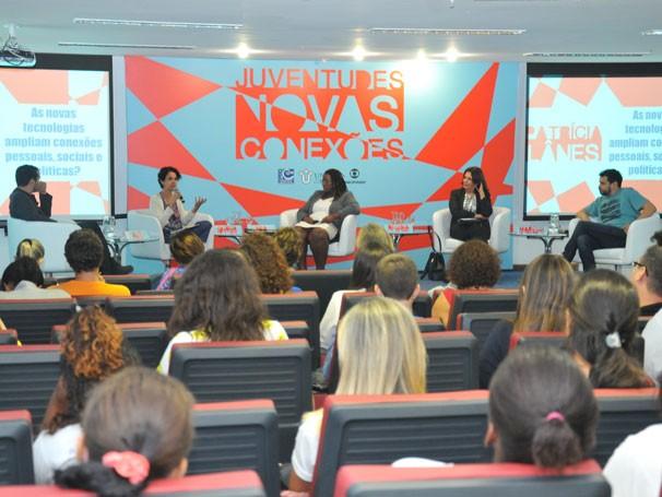 Alê Youssef, Patrícia Lânes, Mia Lopes, Regina Novaes e Marcus Faustini participaram do seminário 'Juventudes: novas conexões' (Foto: Globo/Renato Velasco)
