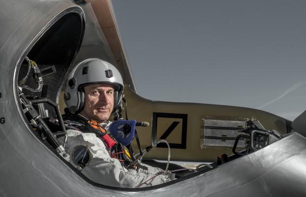 O suíço André Borschberg, um dos desenvolvedores e pilotos do Solar Impulse, o primeiro avião tripulado totalmente movido a energia solar (Foto: Jean Revillard/Rezo)