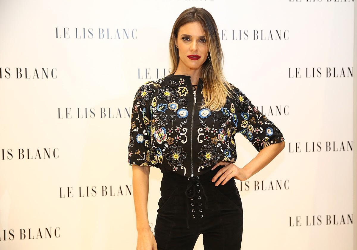 Fernanda Lima rouba os flashes em evento de moda em São Paulo (Foto: Divulgação)