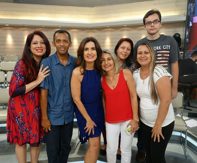 Depois do programa a Fátima tira foto com a plateia  (Foto: Carolina Morgado/Gshow)