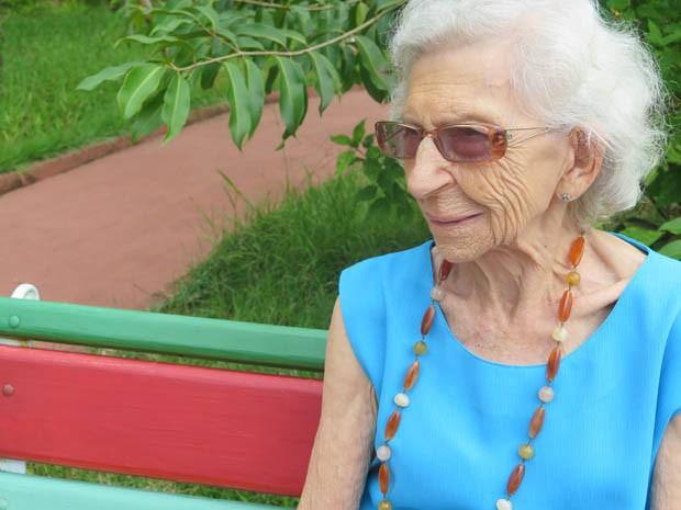 Aos 91 anos, Maria Barbara entrou na Universidade da Terceira Idade (Foto: Mariane Rossi/G1)