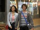 José Loreto e Débora Nascimento vão ao cinema no Rio