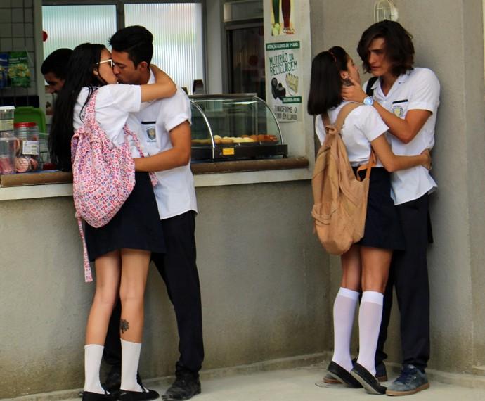 Esse beijaço vai dar o que falar! (Foto: Bruno Cavalieri/Gshow)