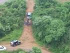 Criminosos roubam caminhonete e levam motorista como refém em SC