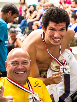 Walmir Coelho e Thiago Pestana, medalhista de Bauru nos Jogos Abertos do Interior (Foto: Wilian Olivato/JAI 2012)