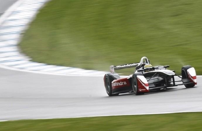 Bruno Senna em shakedown da Fórmula E em Donington Park, Inglaterra (Foto: Reprodução/Instagram)