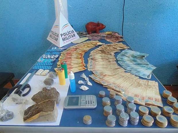 Apreensão drogas PM Miradouro BR-116 (Foto: PM Miradouro / Divulgação)