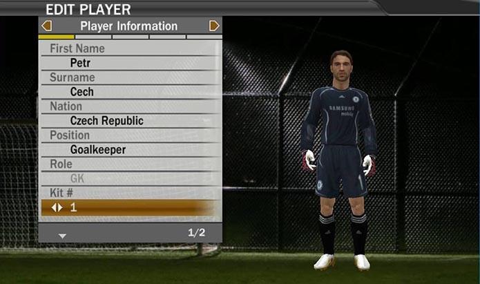 Cech aparece sem capacete em Fifa 07 (Foto: Reprodução/Murilo Molina)