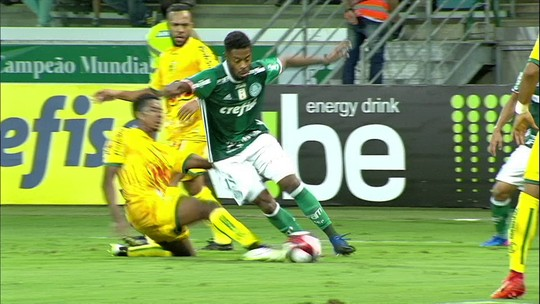 """Eduardo vê Palmeiras com """"vestiário forte"""" e valoriza qualidade dos reservas"""