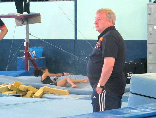 Técnico russo da ginástica brasileira cobra ginásio de alto nível ... 3513863c78c91