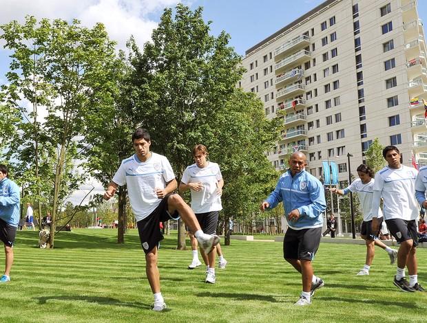 jogadores da seleção do Uruguai treinando na Vila Olímpica (Foto: Getty Images)