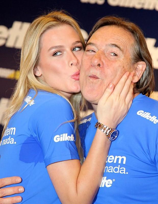 José de Abreu e Fiorella Mattheis (Foto: Cláudio Andrade/Revista QUEM)