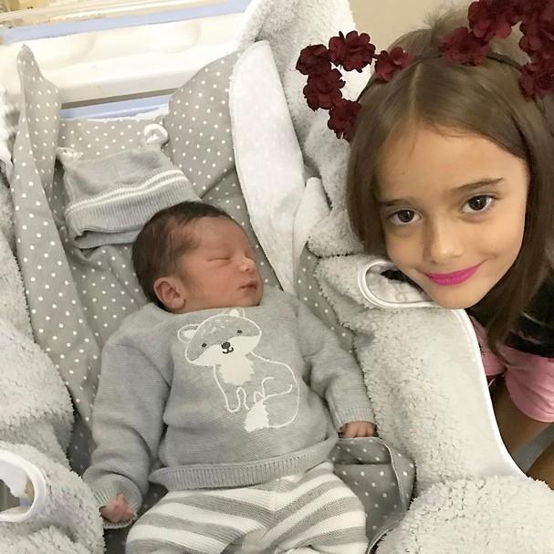 Miguel e Julia, filhos da Leticia (Foto: Reprodução Instagram)