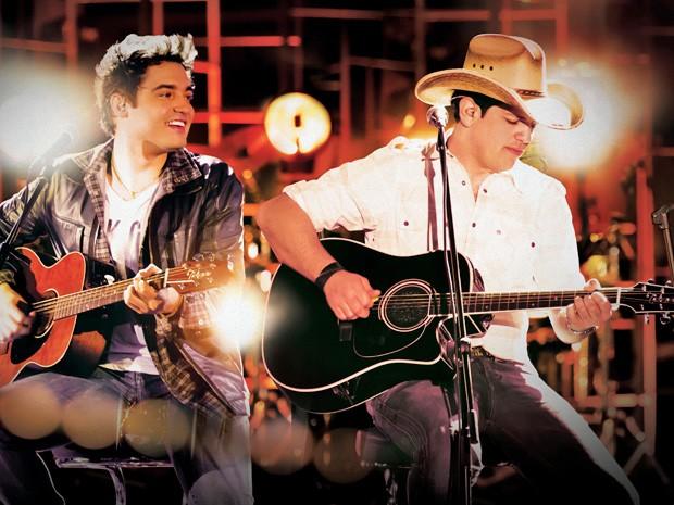 Fernando e Sorocaba cantam sucessos da carreira e preferidas do público em show no Recife. (Foto: Divulgação)