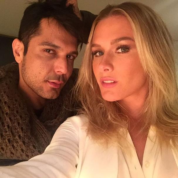 Fiorella Mattheis com o make pele perfeita, especialidade do Renner (Foto: Reprodução/ Instagram)