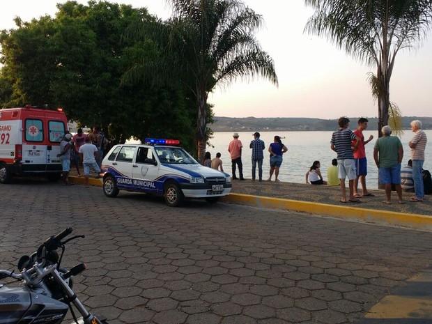 Equipes de resgate estão no local (Foto: Corpo de Bombeiros)