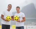 Antes de homenagem por título da Libertadores, Felipe visita Pedrinho