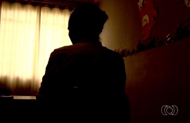 Mãe pede internação de filho de 13 anos agressor e usuário de drogas, em Goiânia, Goiás (Foto: Reprodução/TV Anhanguera)